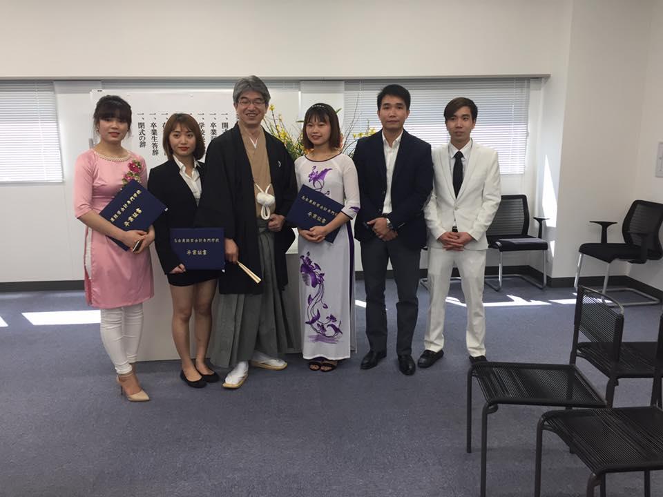 Giám Đốc( CTHDTV)  Yano tham dự buổi lễ tốt nghiệp của du học sinh Yano tại Nagoya 17/03/2017